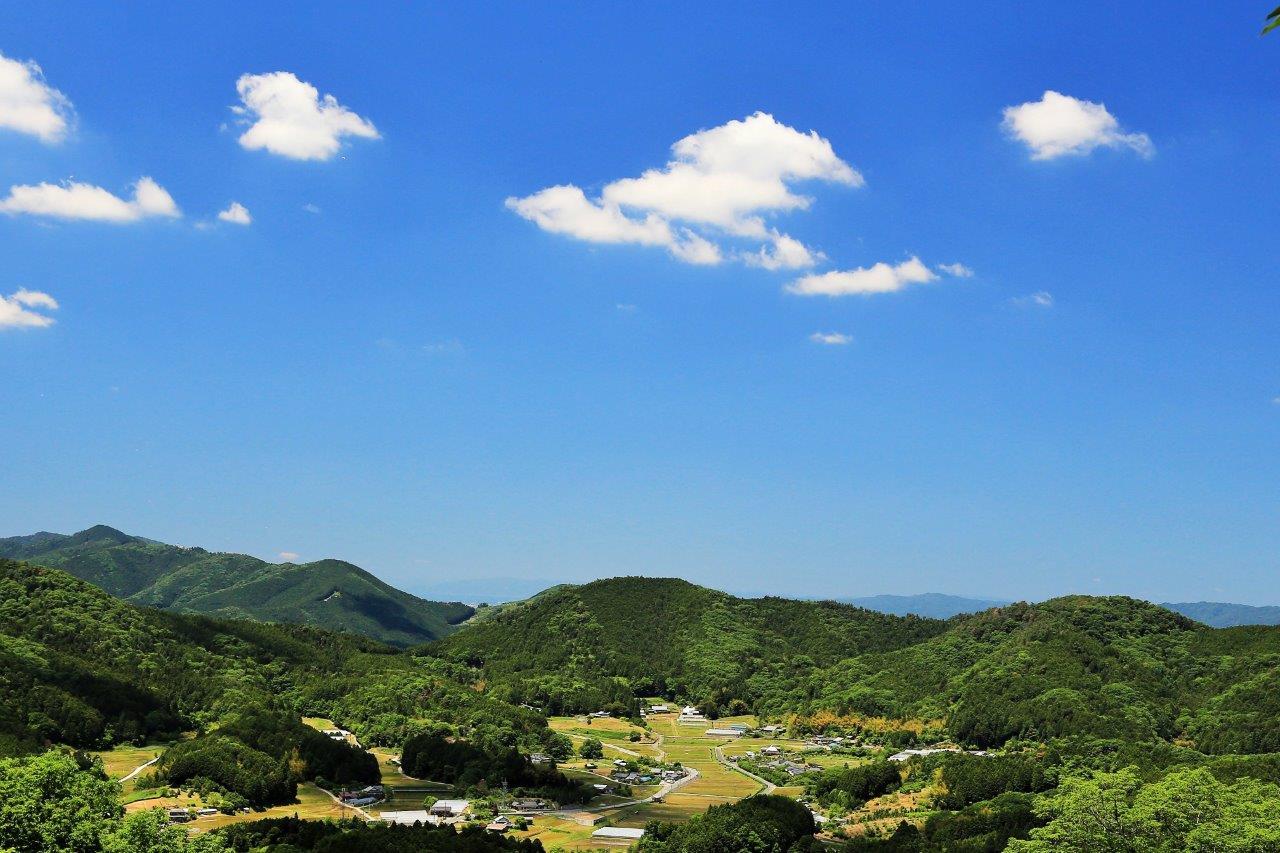 青空の山里